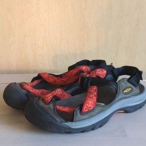 Keen active sandals